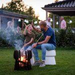 Zwoele avondjes in de tuin met een vuurkorf