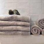 Vier details om je badkamer helemaal mee af te maken